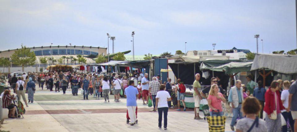 La oposición exige la reapertura de los mercados de Torrevieja y La Mata 6