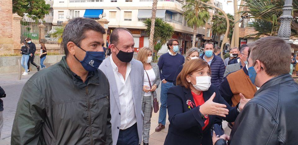 Los populares asisten a una concentración en contra de la reversión del Hospital de Torrevieja 6