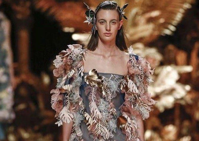 La modelo oriolana Carmen Meseguer desfila para el mejor diseñador emergente 6