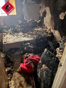 Tres heridos por intoxicación de humo en un incendio en Callosa 7