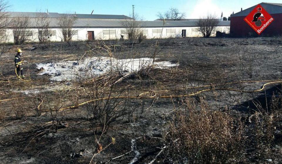 Un incendio afecta a varios vehículos en Callosa de Segura 6