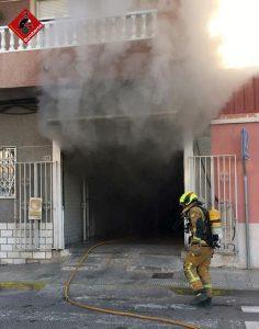Un incendio calcina una panadería de Almoradí 9