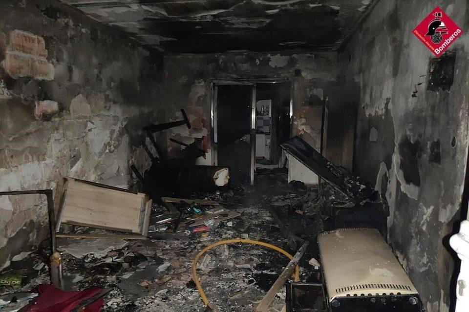 Una persona sufre heridas graves en una explosión de gas ocurrida en San Fulgencio 6