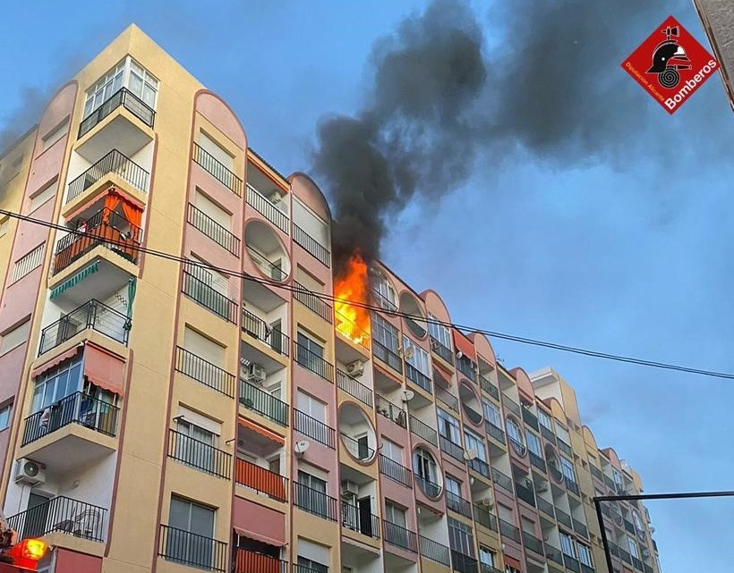 Dos incendios en Torrevieja y Almoradí 6