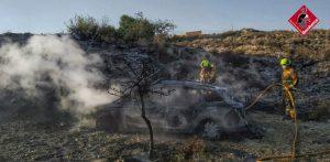 Los bomberos rescatan a un hombre que cayó en una acequia en Hurchillo 7