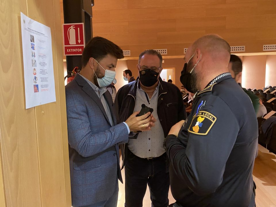 La Lonja acoge una jornada sobre el uso de dispositivos de seguridad para policías 6