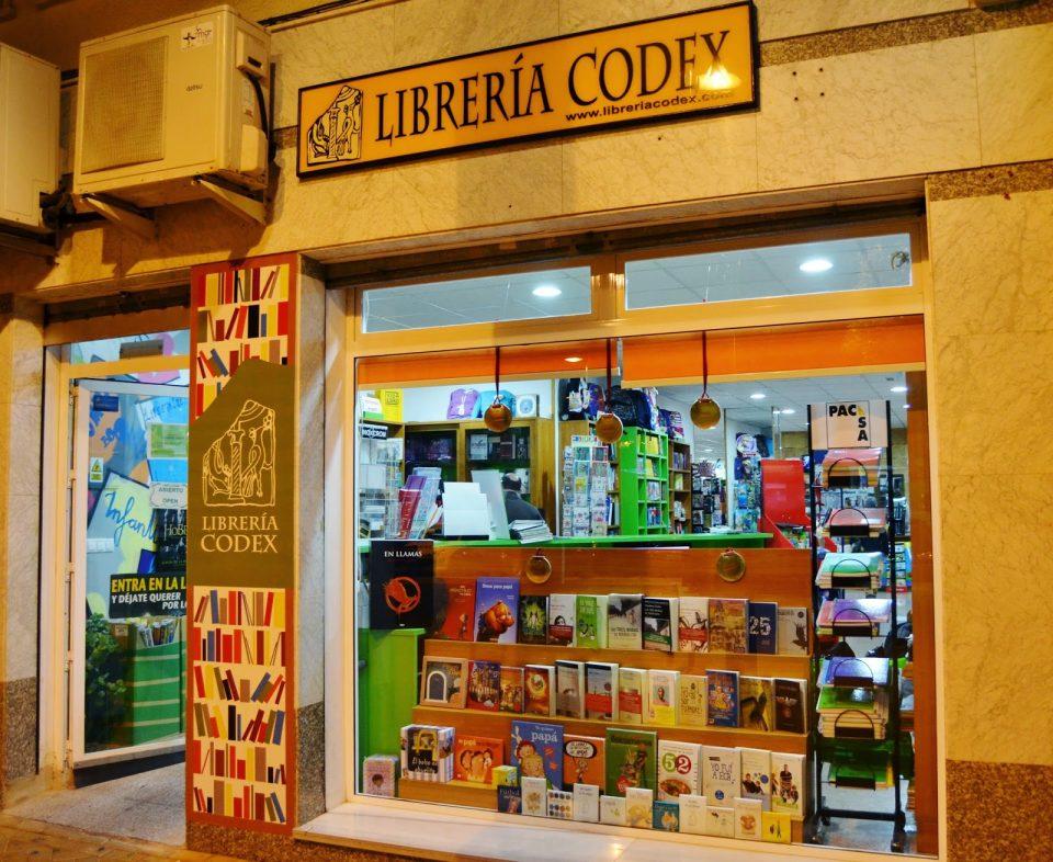 Librería Codex sigue al lado del lector a través de una campaña cultural 6