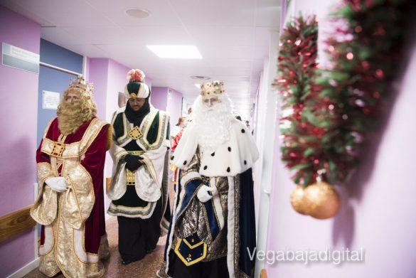 Los Reyes Magos visitan a los niños en el Hospital 29