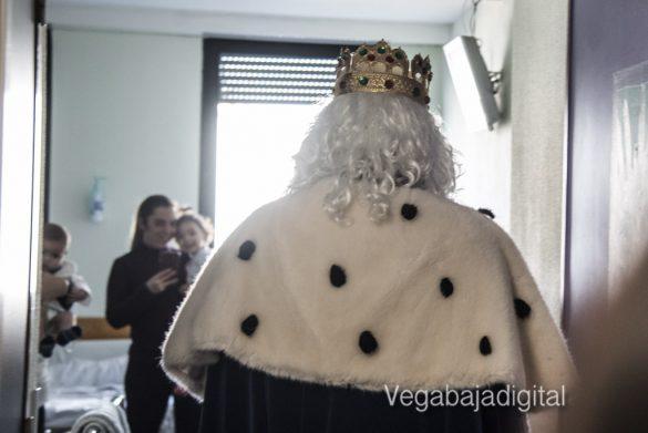 Los Reyes Magos visitan a los niños en el Hospital 31