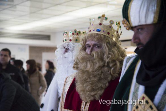 Los Reyes Magos visitan a los niños en el Hospital 10