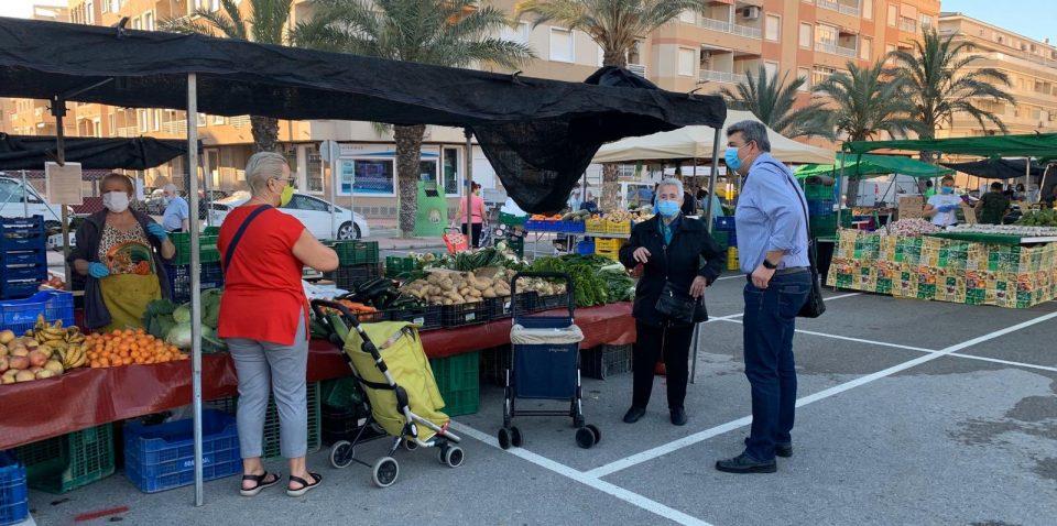 El mercadillo de los miércoles de Guardamar se adelanta a martes 6