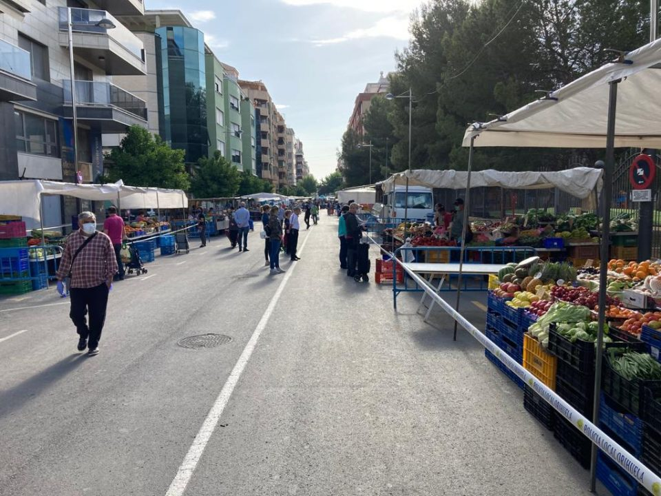 El PPCV pide ampliar el espacio de los mercadillos para mantener la actividad de los vendedores 6