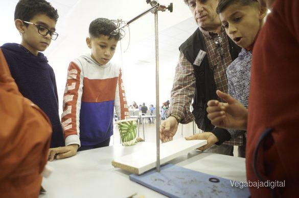 Los niños y niñas de Granja aprenden y se divierten con el MUDIC 12