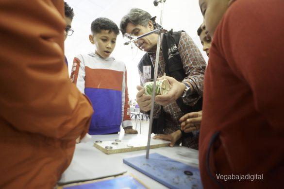 Los niños y niñas de Granja aprenden y se divierten con el MUDIC 13
