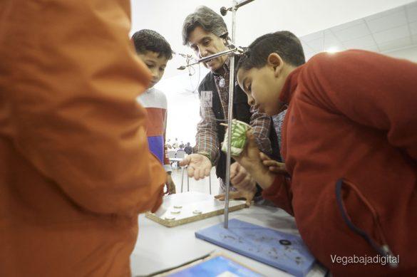 Los niños y niñas de Granja aprenden y se divierten con el MUDIC 14