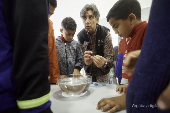 Los niños y niñas de Granja aprenden y se divierten con el MUDIC 16