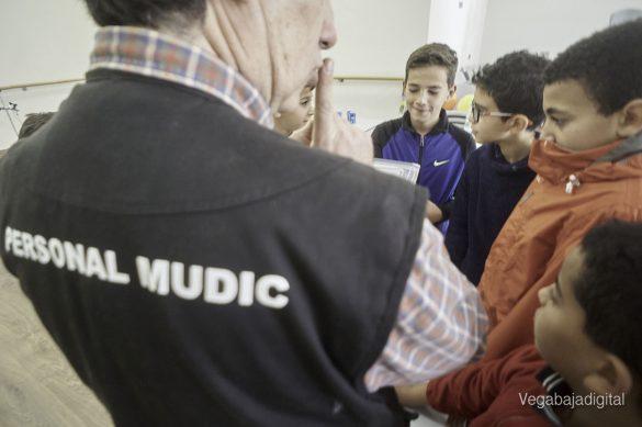 Los niños y niñas de Granja aprenden y se divierten con el MUDIC 18