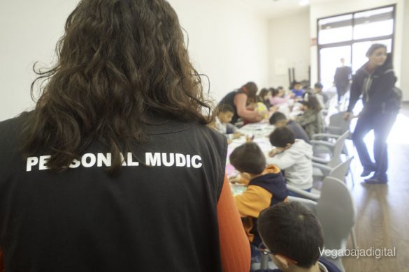 Los niños y niñas de Granja aprenden y se divierten con el MUDIC 19