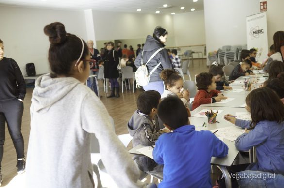 Los niños y niñas de Granja aprenden y se divierten con el MUDIC 22