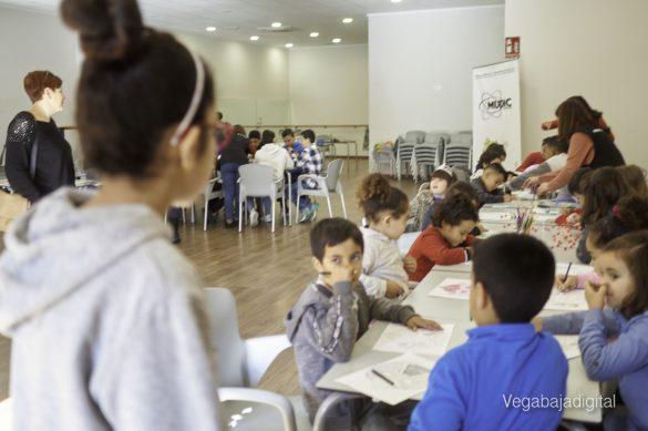 Los niños y niñas de Granja aprenden y se divierten con el MUDIC 23