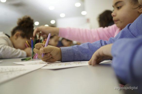 Los niños y niñas de Granja aprenden y se divierten con el MUDIC 24