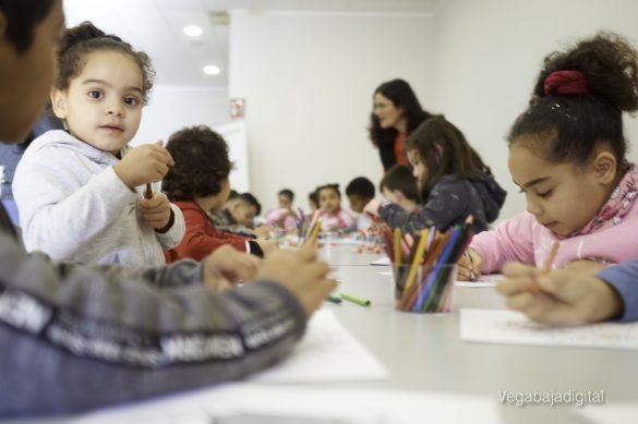 Los niños y niñas de Granja aprenden y se divierten con el MUDIC 25