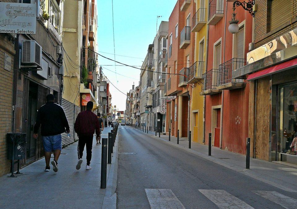 Calle Pintor Agrasot: Okupas, alquileres múltiples, venta de droga al menudeo e insalubridad 6