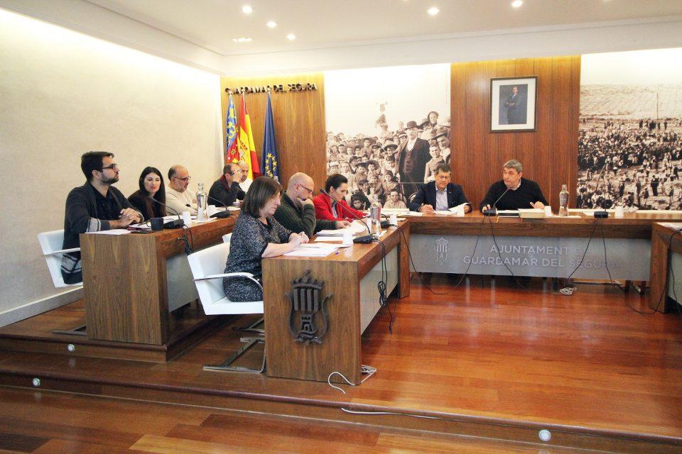 """Guardamar aprueba una moción en defensa de la educación frente al """"pin parental"""" 6"""