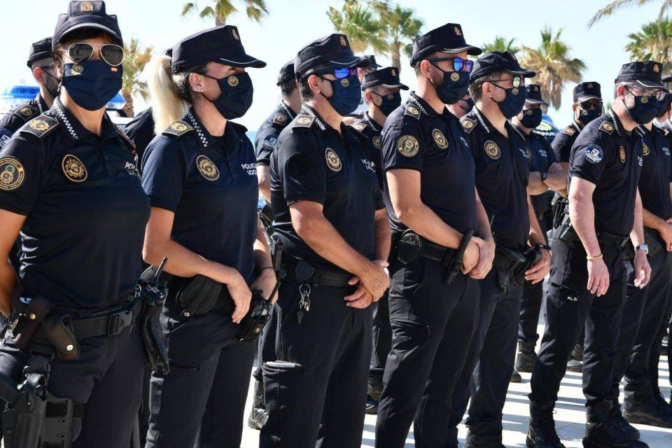 La Policía Local de Orihuela cierra tres locales de ocio por incumplir las medidas de seguridad 6