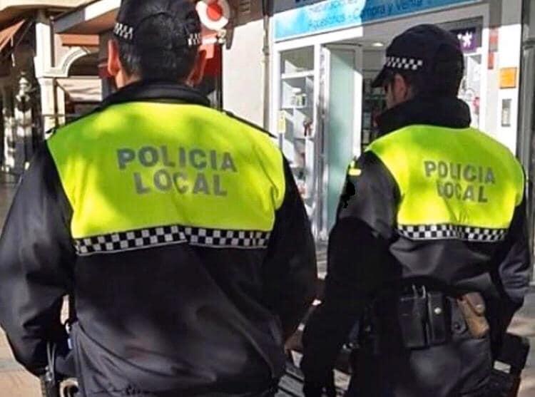 Dispositivo especial de la Policía Local de Pilar de la Horadada en la tardevieja y nochevieja 6