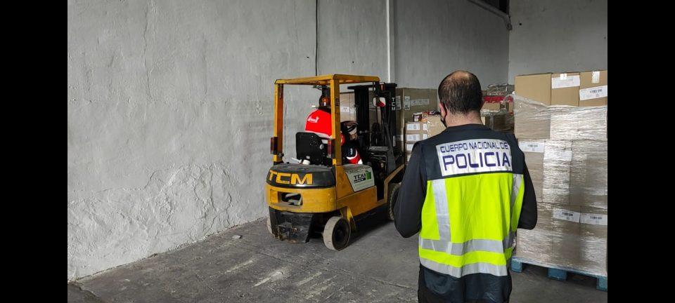 Detenido en Callosa un repartidor por robar un camión con una carga de chocolate valorada en 250.000 euros 6