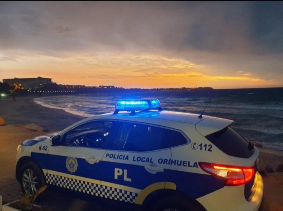 Orihuela prohíbe actos, eventos y reuniones en sus playas 6