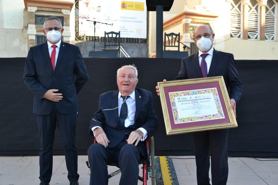 Rojales recibe el premio ´Esteban Bernal Velasco´ del Festival Internacional del Cante de las Minas 6