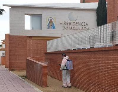 Las residencias de mayores de la Vega Baja se salvan de los brotes del virus 6