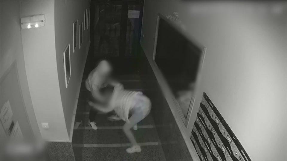 Detenido el hombre que asaltó a una mujer en el portal de su edificio en Torrevieja 6