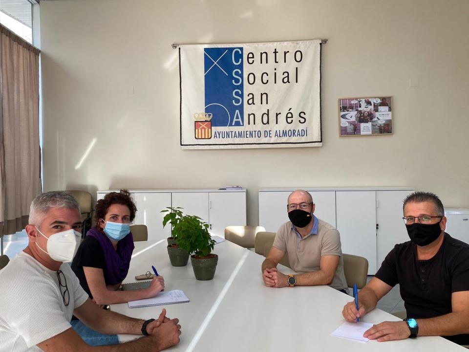 'Conexión solidaria' permitirá acceso a internet a las familias sin recursos de la Vega Baja 6