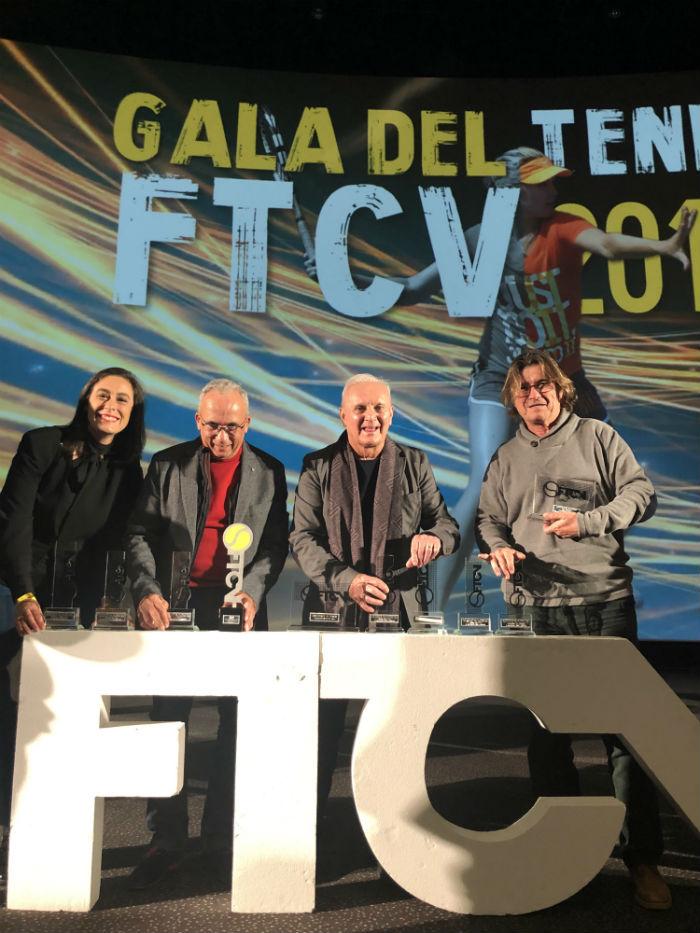 El Club de Tenis Torrevieja saca músculo en la gala anual de la Federación 6