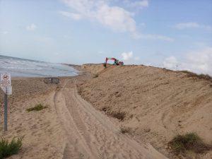 Comienzan los trabajos en la playa Vivers para evitar desprendimientos 7