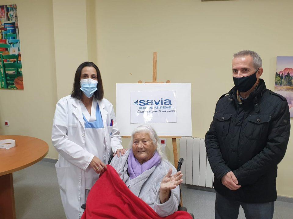 Pamela Madeleine Sullivan, de 98 años, primera vacunada en la residencia de Orihuela Costa 6